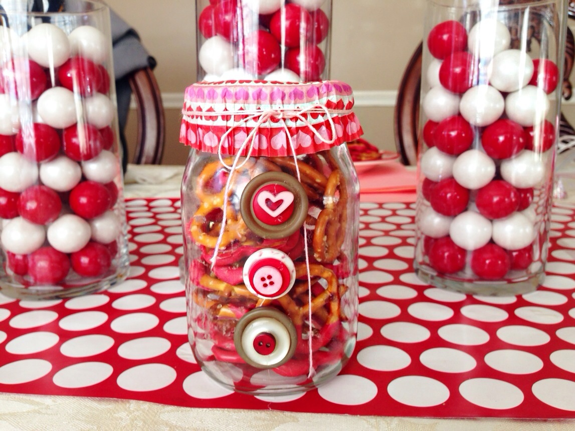 Easy Valentine's Day Mason Jar Gift Ideas (Quick DIY and ...
